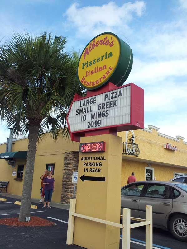 Alberto's-Pizzeria